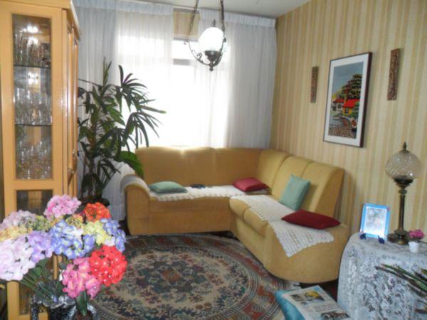 Apartamento de dois dormitórios para vender no bairro Menino Deus , sala de estar , cozinha, área de serviço e dependencia de empregada . Vale á pena conferir!