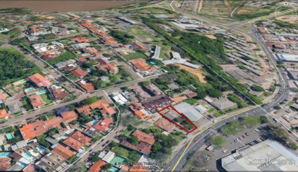 Excelente ponto comercial, muito bem localizado em frente ao Super Nacional da Tristeza.